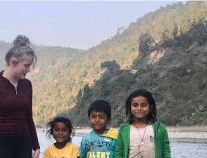 Hetty and children they met on the way to Simthali who were washing themselves and their clothes in the river